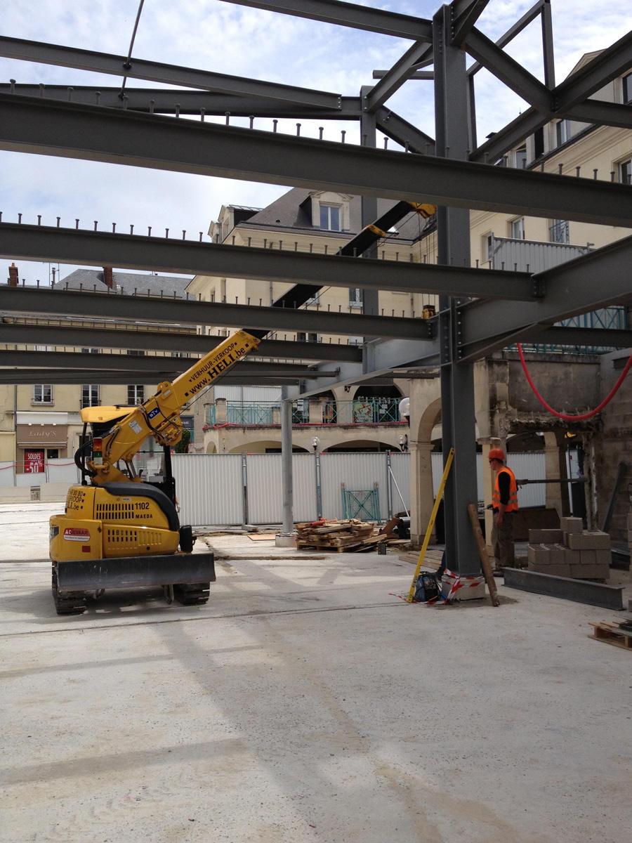 LC383 Construction