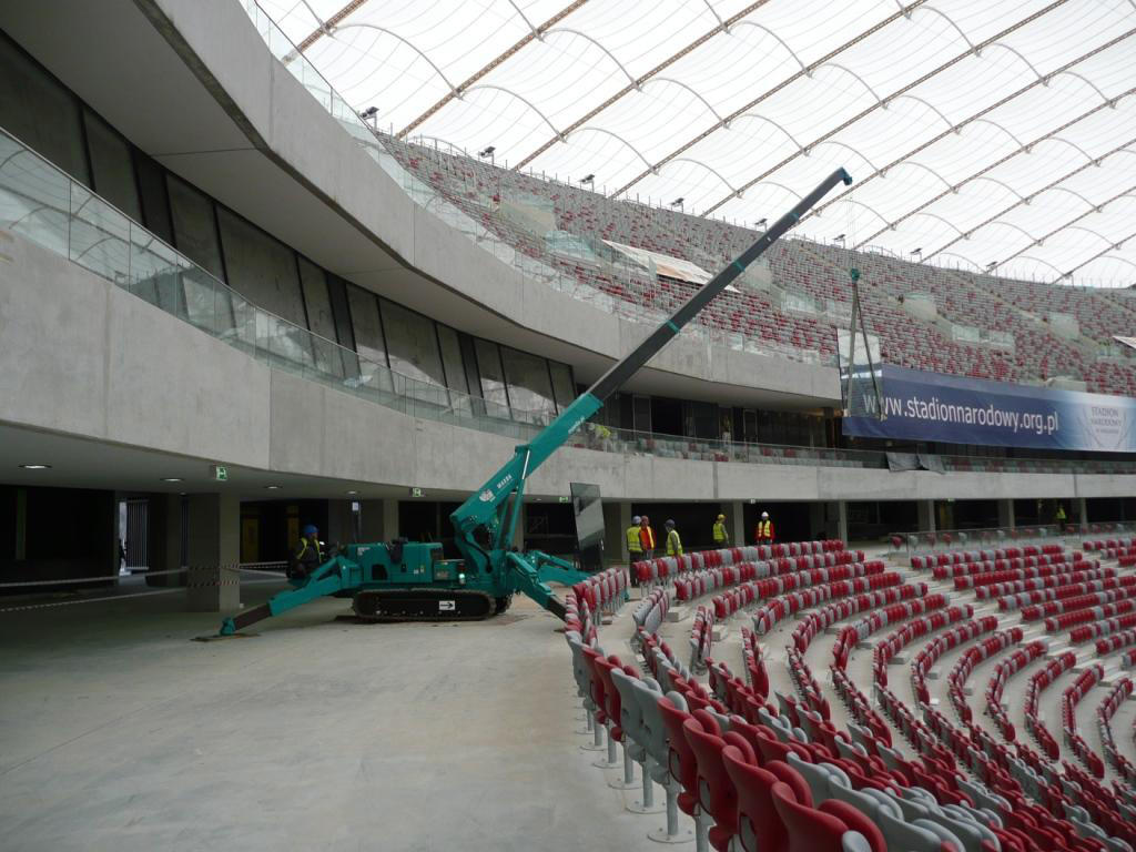 MC405C Stadium Poland